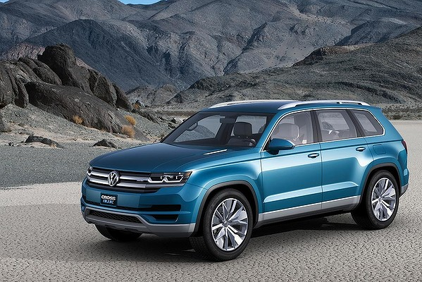9GAG - Volkswagen Cross Blue Concept on 2013 Detroit Auto Show